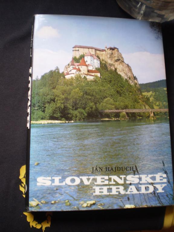 SLOVENSKÉ HRADY - Ján Hajduch