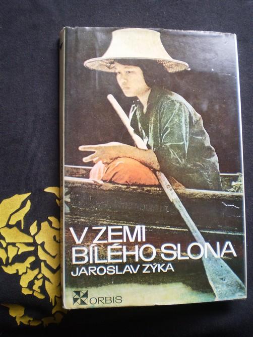 V ZEMI BÍLÉHO SLONA - Zýka, Jaroslav
