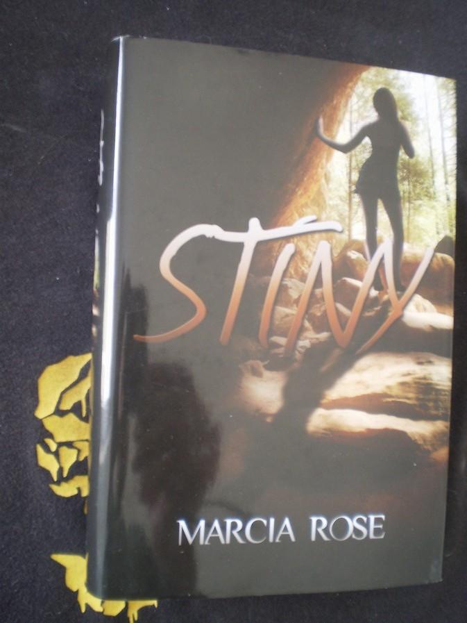 STÍNY - Marcia Rose