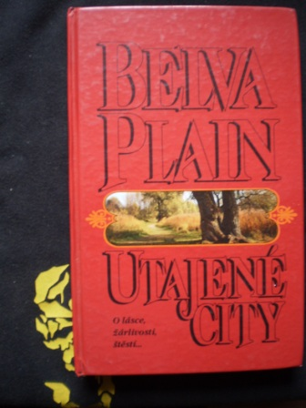 UTAJENÉ CITY - Belva Plain